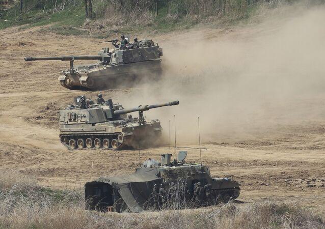 South Korean army K-9 self-propelled howitzers