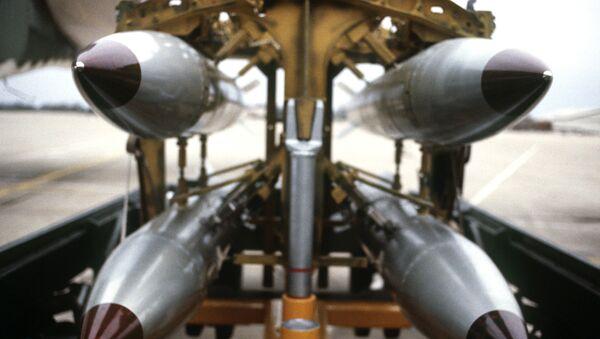 B61s on a bomb rack. - Sputnik International
