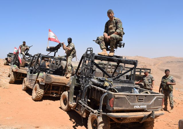 Lebanese Army forces at the border between Lebanon and Syria