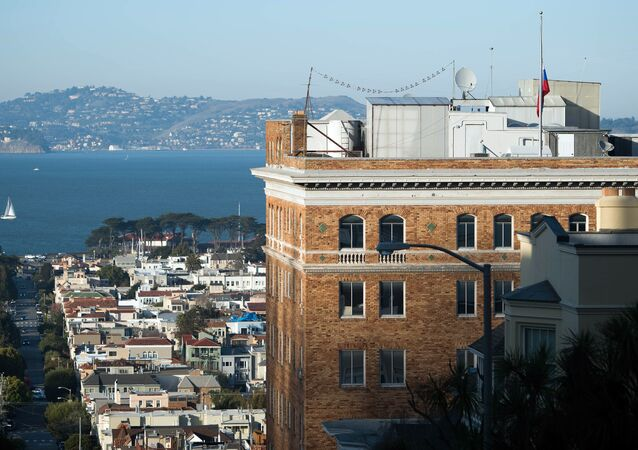 The Russian flag flies at half mast at the Consulate-General of Russia in San Francisco, California (File)