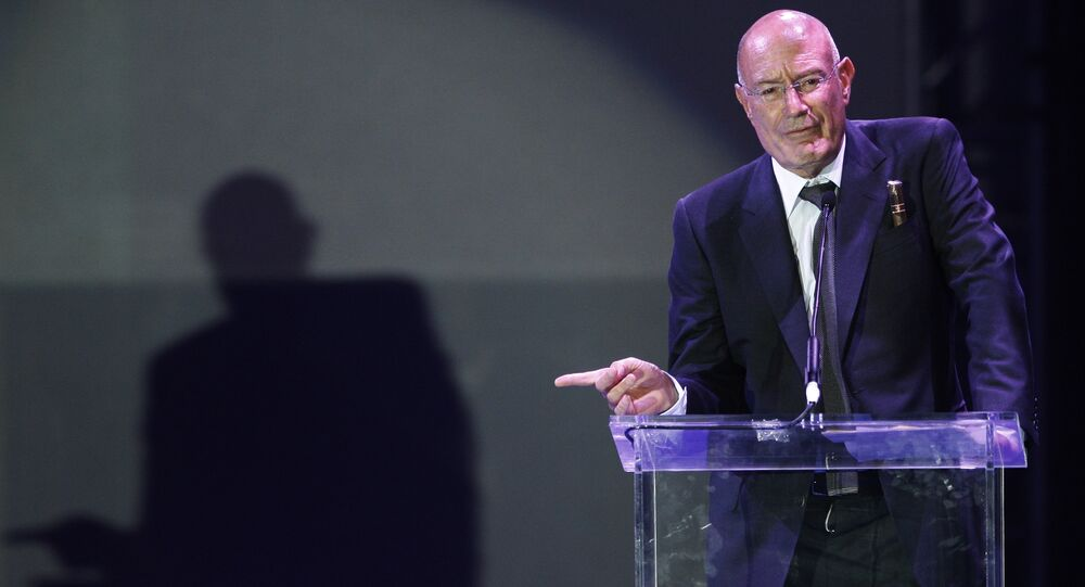 Producer Arnon Milchan accepts the Legacy of Citizens Lifetime Achievement award at the 'From Vision to Reality' event celebrating the 60th Anniversary of the state of Israel in Los Angeles. (File)