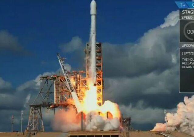 Falcon takes secretive shuttle to space