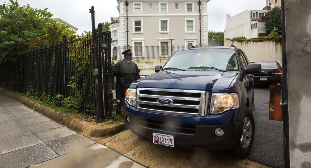 Police cordon the Russian Trade Mission compound in Washington, D.C.