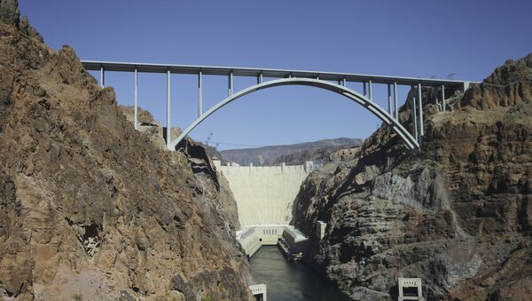 FILE - In this Oct. 2, 2012, file photo shows the Hoover Dam bypass bridge near Boulder City, Nev. - Sputnik International