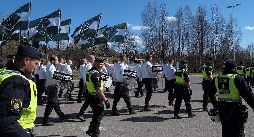 Nordic resistance movement NMR marscherar i Falun, Sweden