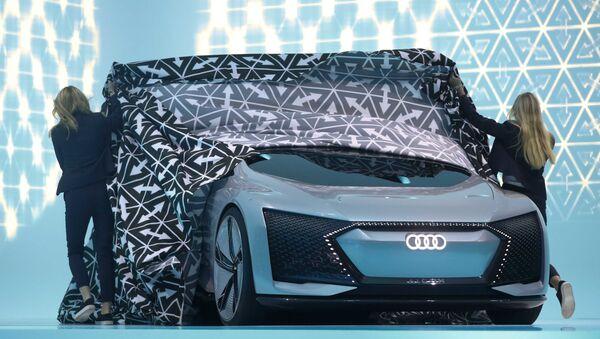 Концепт-кар Audi Aicon на на Международном автомобильном шоу во Франкфурте - Sputnik International