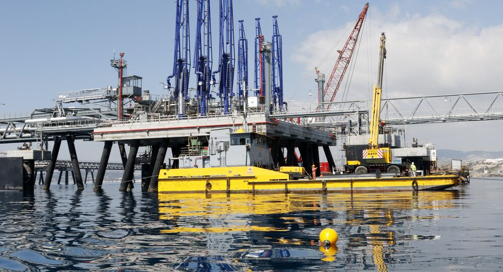 A picture taken on March 24, 2015 shows the jetty at the oil storage terminal of VTT Vasiliko Ltd (VTTV) at the port of Vasilikos in the coastal southern Cypriot town of Mari.