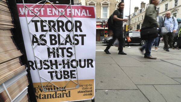 A London evening newspaper stand displays their headline outside Paddington tube station in London, after a terrorist incident was declared at Parsons Green subway station Friday, Sept. 15, 2017. - Sputnik International