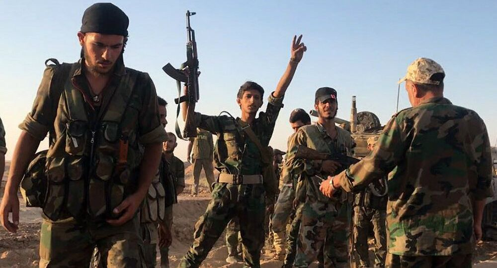 Syrian Army soldiers at combat positions near Deir ez-Zor
