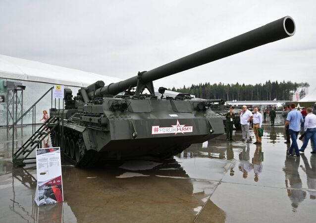 A 2S7M Malka self-propelled gun at the Army 2017 International Military-Technical Forum outside Moscow.