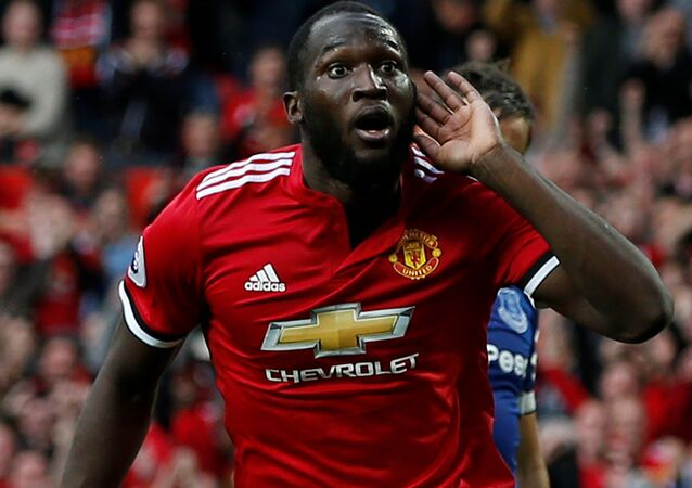 Soccer Football - Premier League - Manchester United vs Everton - Old Trafford, Manchester, Britain - September 17, 2017 Manchester United's Romelu Lukaku celebrates scoring their third goal