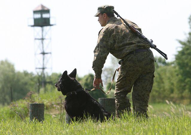 Russian border guard (File)