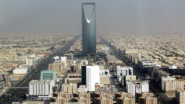 Saudi Arabian capital Riyadh with the 'Kingdom Tower' - Sputnik International