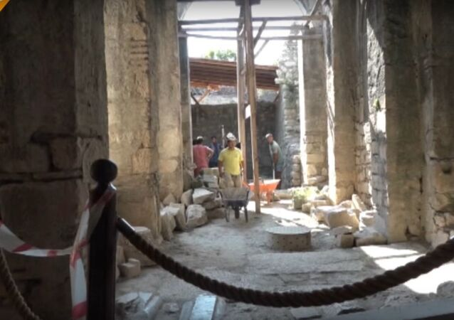 Footage From the Excavation of the Alleged Tomb of Saint Nicholas