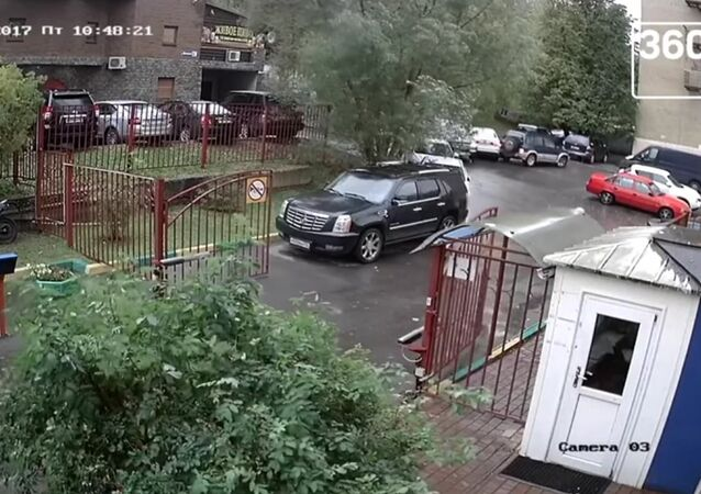 GTA Grandpa: Elderly Driver Destroys Russian Neighborhood in 20 Seconds