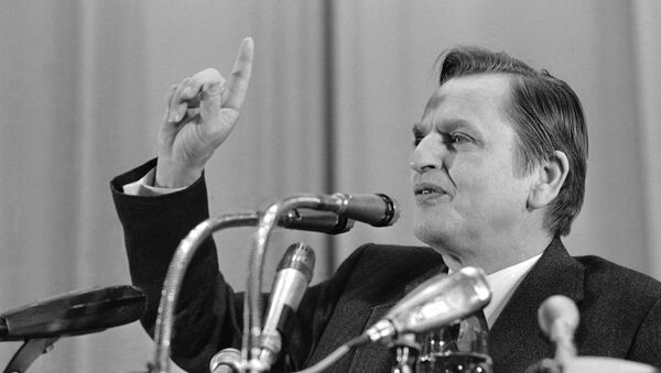 Swedish Prime Minister Olof Palme is shown at a news conference on Wednesday, 7 April 1976 during a visit to Moscow - Sputnik International