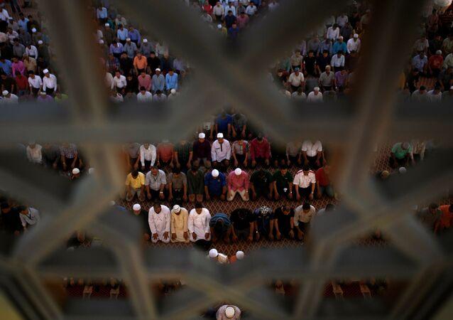 Malaysian Muslims at the national mosque in Kuala Lumpur