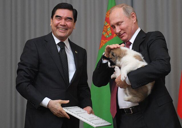 President Vladimir Putin, right, meets with President and Prime Minister of Turkmenistan Gurbanguly Berdimuhamedow
