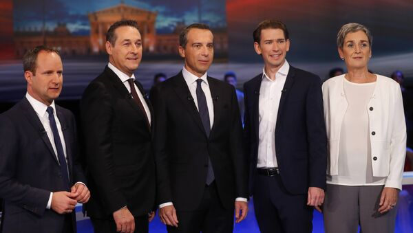 NEOS party top candidate Matthias Strolz, Freedom Party (FPOe) top candidate Heinz-Christian Strache, Social Democrats (SPOe) top candidate Christian Kern, People's Party (OeVP) top candidate Sebastian Kurz and Green party top candidate Ulrike Lunacek (L-R) prepare for a TV discussion in Vienna, Austria, October 12, 2017. - Sputnik International