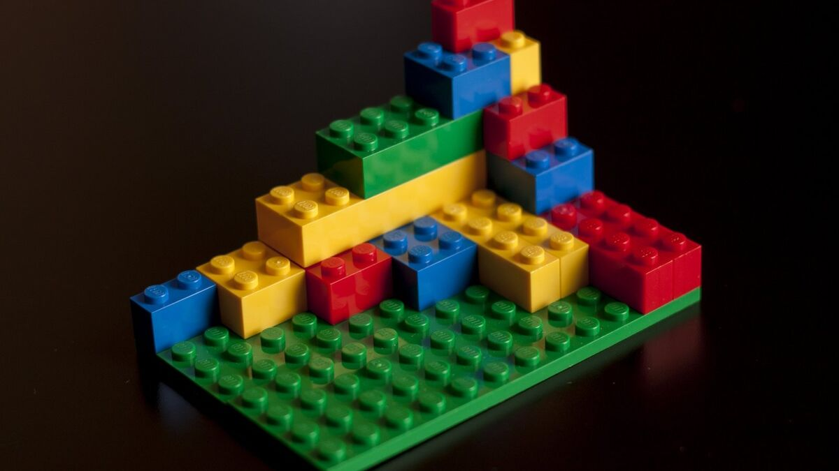 Universal Lego Sorting Machine' Made Out of Lego Uses AI to Sort ...