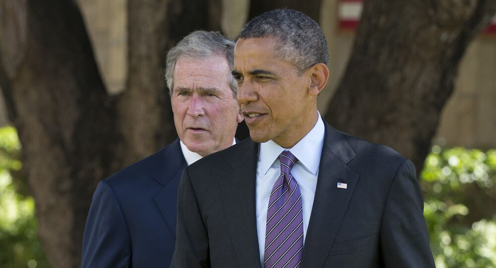 Former U.S. president Barack Obama, right, and former U.S. president George W. Bush (File)