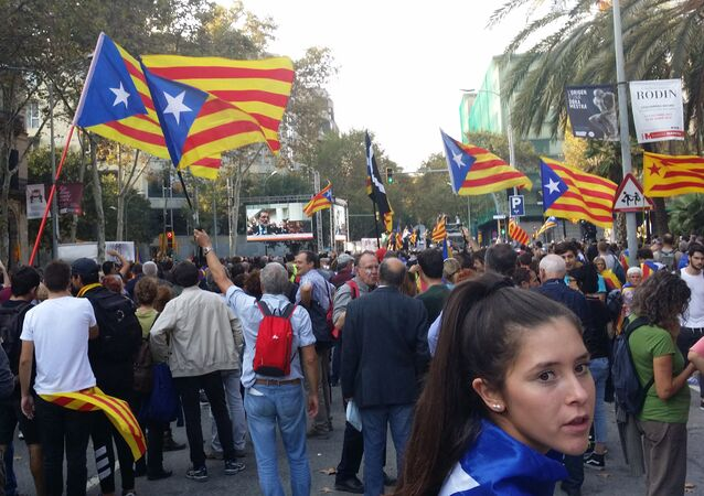Pro-independence supporters near the building of the parliament of Catalonia.