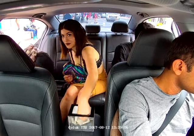 Uber passenger caught stealing from driver's tip jar on dashcam