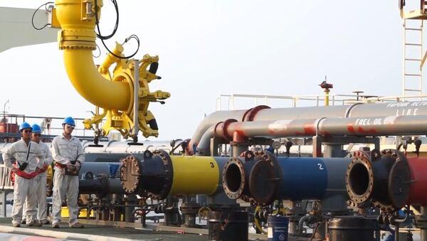 China-Myanmar crude oil pipeline begins operation - Sputnik International