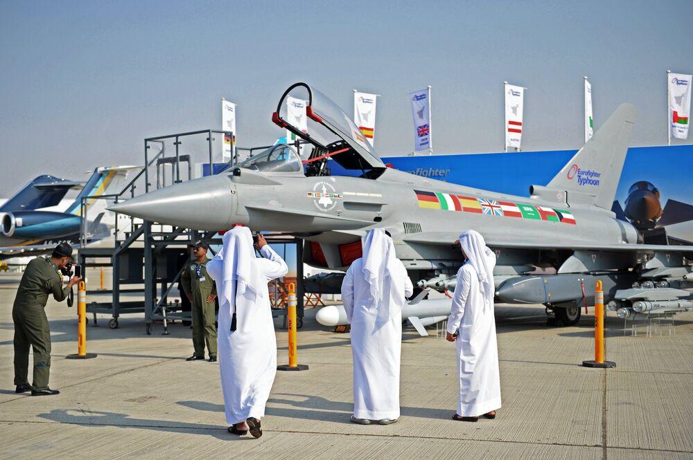Вице-премьер Д. Рогозин посетил выставку Dubai Airshow 2017