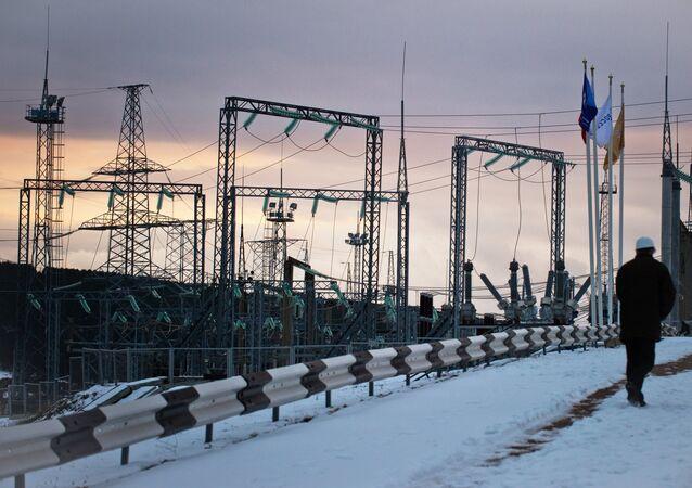 Fifteen mobile gas turbine power plants generate power for Crimea
