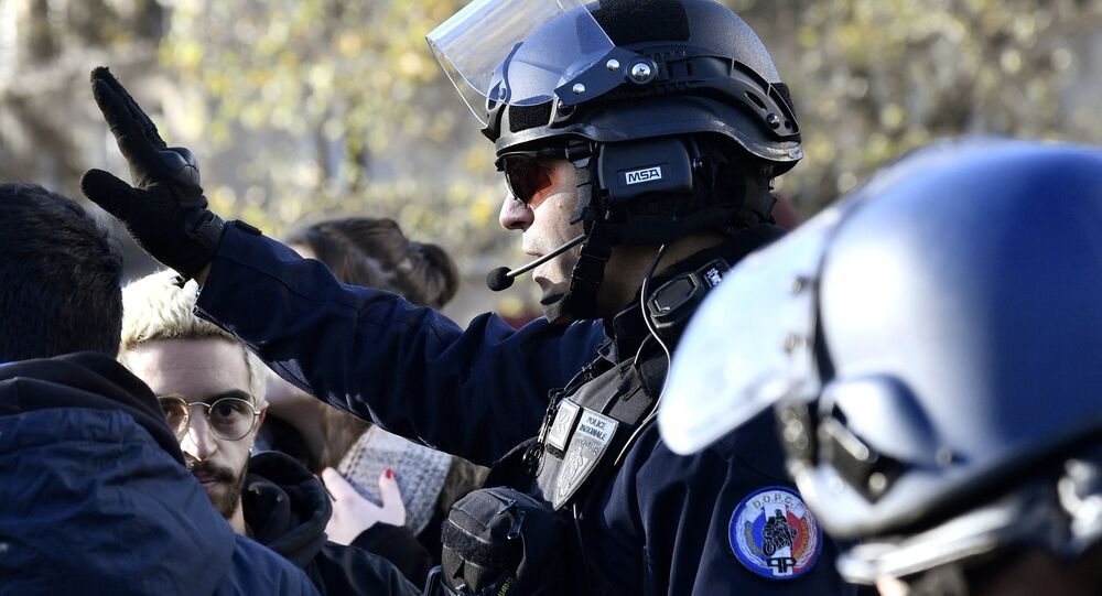 French police officer
