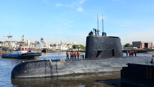 The Argentine military submarine ARA San Juan and crew are seen leaving the port of Buenos Aires, Argentina. (File) - Sputnik International