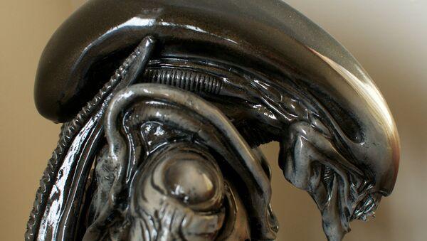 Alien - Sputnik International