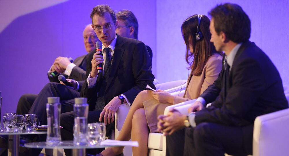 David Davies MP (pictured, with the microphone) moderates the plenary session at the Russian-British Business Forum