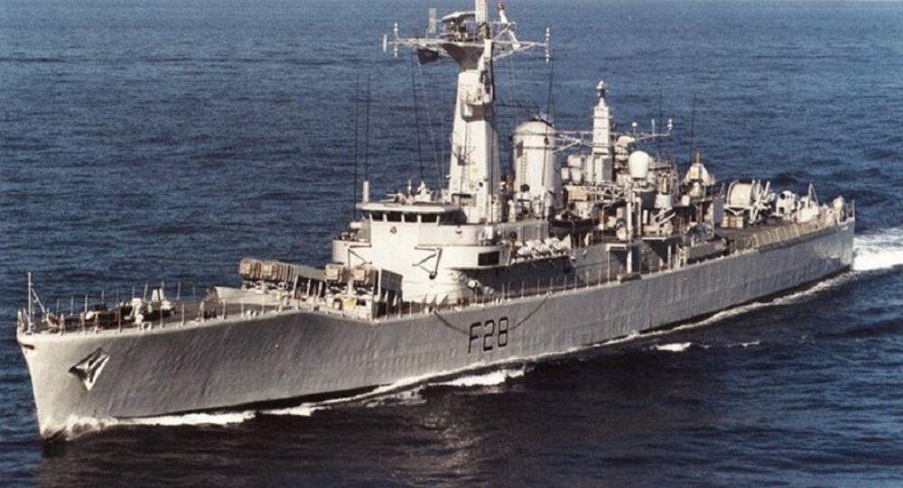 HMS Cleopatra (F28) underway in 1991