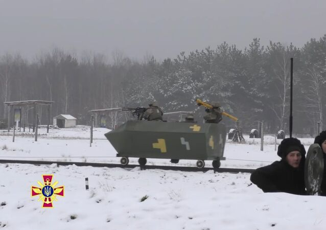 Ukrainian troops show off their mettle in drills before the US National Guard
