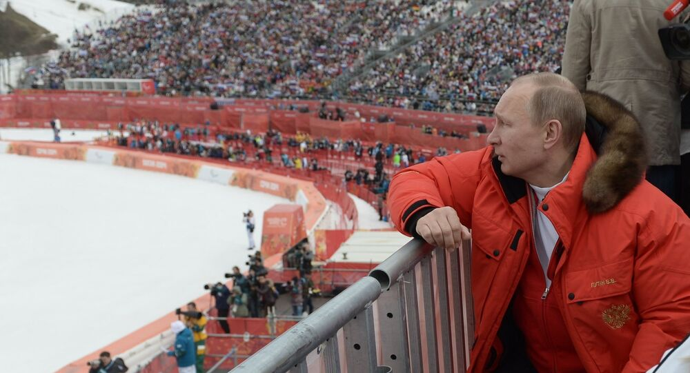 Vladimir Putin attends paralympic Alpine skiing competitions