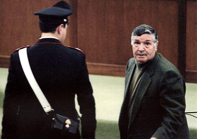 Mafia boss Salvatore Toto Riina during his trial at the high security prison Ucciardone in Palermo. (File)