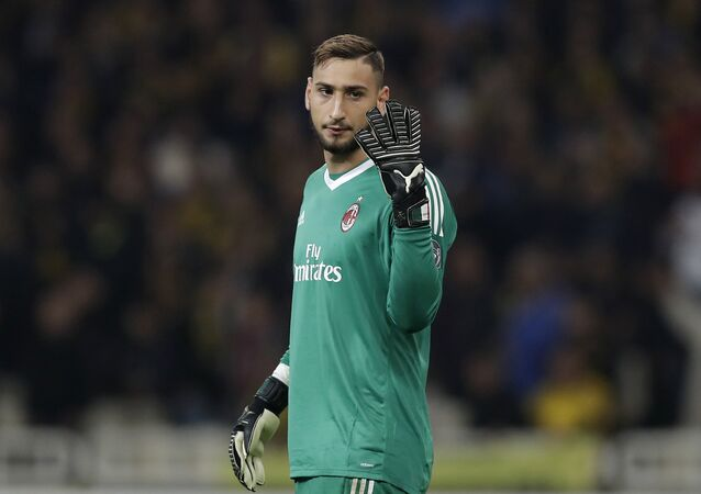 AC Milan goalkeeper Gianluigi Donnarumma gives instructions during the Europa League group D soccer match between AEK Athens and AC Milan at the Olympic stadium, in Athens, Thursday, Nov. 2, 2017