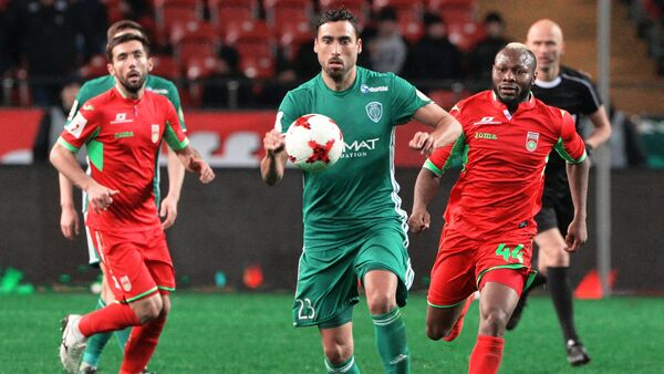 From right: Terek's Facundo Piriz and Ufa's Sylvester Igboun during the Russian Football Premier League's Round 18 match between Terek Grozny and Ufa - Sputnik International