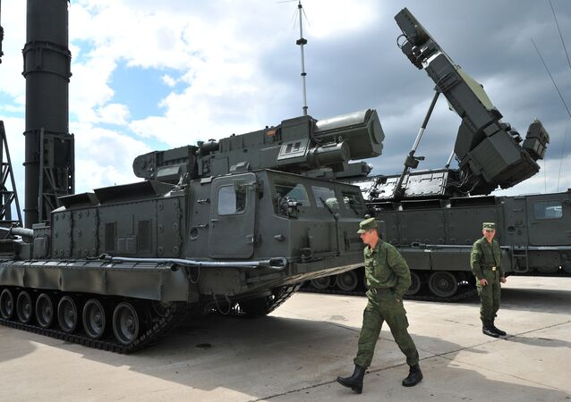 S-300V and S-300VM anti-aircraft long distance missile systems showcased at the 2nd International Forum 'Engineering Technologies 2012' in Zhukovsky outside Moscow. File photo