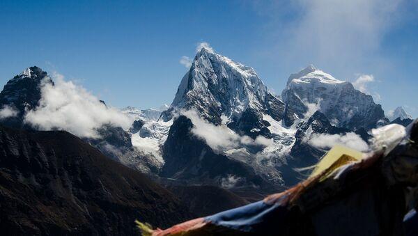 Mount Everest - Sputnik International