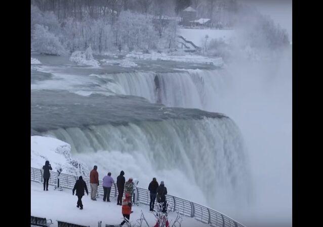 Niagara Falls is Coated in Ice