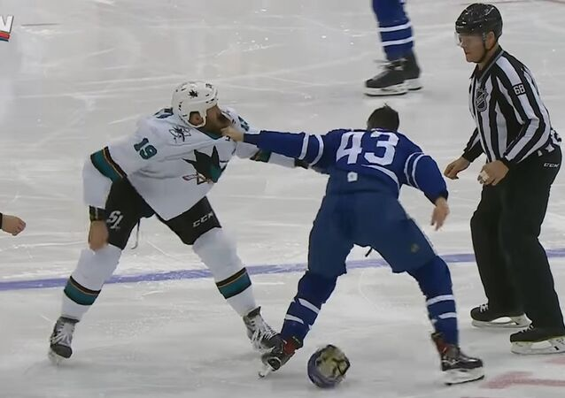 Gotta See It: Kadri rips out handful of Thornton's beard
