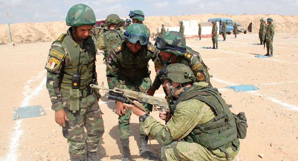 Firearms training with exchange of weapons during the 2016 Friendship Protectors Russia-Egyptian anti-terrorist exercise. File photo