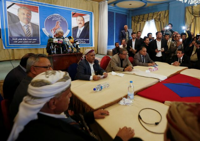 Members of the General People's Congress party, once headed by Yemen's slain former president Ali Abdullah Saleh, attend a meeting of the party's leadership in Sanaa, Yemen January 7, 2018