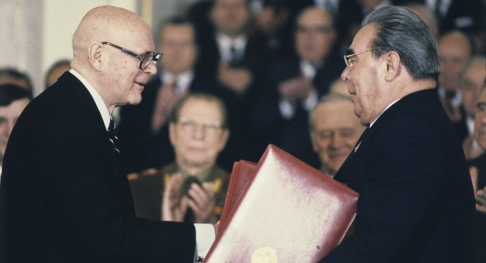 Finnish President Urho Kekkonen (L) and General Secretary of the Soviet Union's Communist Party and chairman of the Supreme Soviet presidium Leonid Brezhnev after signing Russian-Finnish documents at the Grand Kremlin Palace