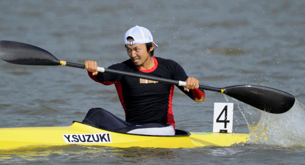 Japan's Yasuhiro Suzuki competes in the men's kayak single race at the 16th Asian Games in Guangdong province, China, in this photo taken by Kyodo on November 25, 2010.