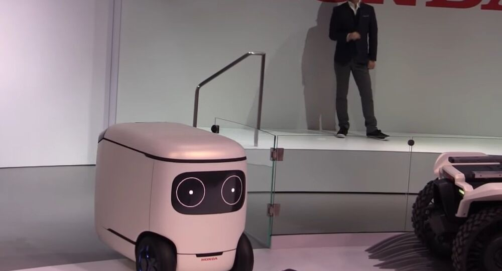 Honda Presents '3E' Series Robots