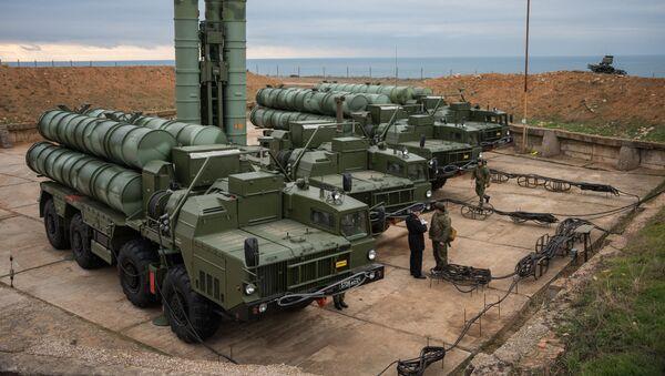 S-400 Triumf anti-air missile system enters service in Russia's Sevastopol. File photo - Sputnik International